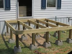 Are you thinking of how to build outdoor deck plans to beautify your outdoor living spaces? I have here how to build outdoor deck plans living spaces ideas. Backyard Patio, Backyard Landscaping, Backyard Ideas, Porch Ideas, Diy Porch, Backyard Playground, Oberirdische Pools, Mobile Home Porch, Mobile Home Front Door