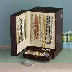 Jewelry boxes on pinterest for Ross simons jewelry store