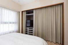 零木作衣櫃搭配美觀布簾,成本低、質感佳。