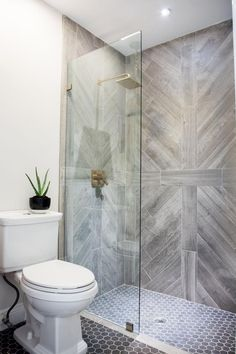 58 Ideas for grey wood tile shower decor Best Bathroom Tiles, Bathroom Tile Designs, Wood Bathroom, Bathroom Flooring, Bathroom Interior Design, Small Bathroom, Bathroom Ideas, Shower Ideas, Bathroom Showers