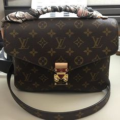Louis Vuitton Handbags Is Your Best Choice On This Years, Let The Fashion Dream With LV Handbags At A Discount! You Can Get Any Style You Want At Here!!! #Louis #Vuitton #Handbags