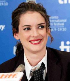 Winona Ryder on her 'Stranger Things' character: 'I may have gone too far'  #WinonaRyder #DavidHarbour #GatenMatarazzo #MillieBobbyBrown #CalebMcLaughlin #NoahSchnapp #StrangerThings