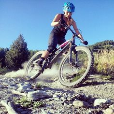 #mtb #enduro #bikegirls Hannah Barnes