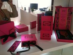 by patit - convites e complementos exclusivos: Aniversário Bella: Paris em pink e preto