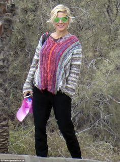 Elsa Pataky Short Hair | There's no hiding it! Pregnant Elsa Pataky flashes a huge grin as she ...