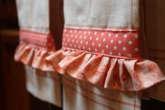 kitchen towels sewing projects with machine embroidery   to a machine with embroidery options. The embroidered Kitchen towels ...