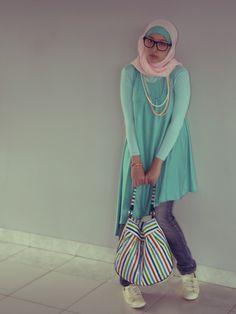 D'hidjab By Dahayu Unsymmetrical Tosca Dress, Dahayu's Bag Stripe Shoulder Bag, Converse Wmns All Star Light Ox Leather, Levi's Patty Anne Skinny Jeans