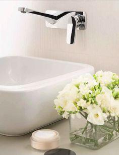 Collection Levante - Fratelli Fantini  Designer Rodolfo Dordoni  #fratellifantini #fantini #rubinetti #design #levante #bagno #bathroom #lavandino #lavabo #washbasin #home #casa #style #ideas #idee