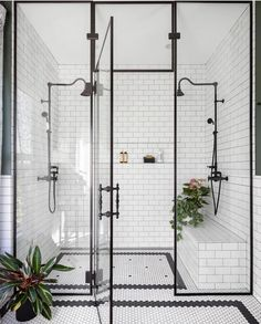 Home Interior Design black and white bathroom walk in shower with built in seat.Home Interior Design black and white bathroom walk in shower with built in seat Bad Inspiration, Bathroom Inspiration, Bathroom Inspo, Shower Bathroom, Shower Set, Master Shower, Big Shower, Bathroom Carpet, Shower Tiles