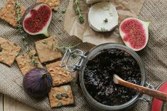 Füge chutney kakukkfűvel és modenai balzsamecettel Chutney, Chocolate Fondue, Pesto, Dairy, Cheese, Desserts, India, Tailgate Desserts, Deserts