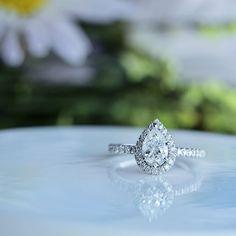 PEAR SHAPE DIAMOND ENGAGEMENT RING IN 14 KT. WHITE GOLD - JG9501SC-RG14W070 SKU : 264002