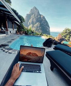 DON'T JUST VISIT, Live it! Embrace island life in #SaintLucia a little longer. Stay up to six weeks with our extended stay program and do exactly what you want to do. Our 'Live it' specialists will tailor your activities, from creole cooking, hiking the majestic Pitons, or exploring rainforests. Don't just be a visitor, be a local. Start planning your one-of-a-kind journey today at stlucia.org/liveit 📸 shamarmarcus #LabourDay #LiveitSaintLucia #TravelSaintLucia #LetHerInspireYou