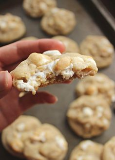 White Chocolate Marshmallow Cookies. White chocolate and marshmallows are a made-to-be-married match, as you'll clearly taste in these phenomenal White Chocolate Marshmallow Cookies! They're so soft and gooey on the inside with the perfect chewy texture outside! #cookierecipes #marshmallowcookies #thebestcookies #thebestdesserts #dessertrecipes #dessertideas #whitechocolate #cookies Cheesecake Desserts, Köstliche Desserts, Birthday Desserts, Delicious Desserts, Dessert Recipes, Yummy Food, Pie Recipes, Yummy Recipes, Breakfast Recipes