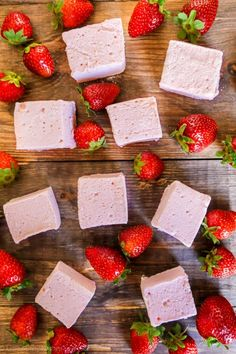 The perfect homemade Strawberry Marshmallows! This is much easier than I thought!