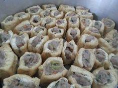 Cara Membuat Tahu Bakso Tahan Lama di Frezeer Easy Cooking, Cooking Recipes, Heritage Recipe, Good Food, Yummy Food, Western Food, Indonesian Food, Cata, Food Dishes