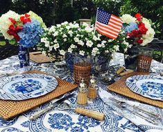 Fabulous Fourth of July Decorating and Entertaining Ideas - The Glam Pad Thanksgiving Table Settings, Holiday Tables, Fabulous Four, Happy Birthday America, Enchanted Home, Patriotic Decorations, Patriotic Party, Fall Table, Christmas Candles
