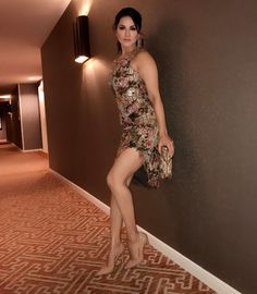 Sunny leone sexy photos and pics.All hot pictures of sunny leone. Hottest Models, Hottest Photos, Hottest Women, Le Jolie, Sexy Jeans, Hollywood Celebrities, Indian Beauty, Look Fashion, Bollywood Actress