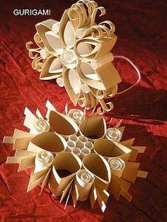 gurigami: Gurigamizzunk együtt szombaton! Diy Christmas Star, Homemade Christmas Wreaths, Holiday Crafts, Paper Ornaments, Hanging Ornaments, Xmas Ornaments, Toilet Paper Roll Crafts, Easy Paper Crafts, Paper Snowflake Patterns