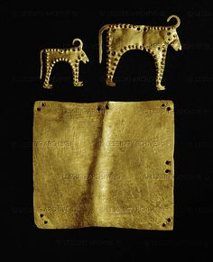 HELLENISTIC HARNESS 6TH-1ST BCE A gold plate and two cows. Gold harness ornaments (4th BCE) from grave sites at Varna. Archaeological Museum, Sofia, Bulgaria Thracian