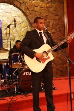 Jonathan McReynolds performs at 2012 C.A.T.S.