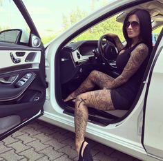 "Julia Jasmin Rühle aka JJ (@juliajasmin_aka_jj) na Instagramu: ""My Baby @gruma_exklusiv  #gruma #mercedesglecoupe #mercedes #gle #amg #coupe #berlin #moscow…"""