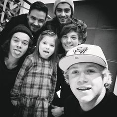 """"""" @niallhoran: We just met the cutest , bravest little girl ever ! Effy it was lovely to meet you! Hopefully we will see you very soon ! Xxxx """""""