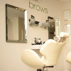💫Стильное и функциональное кресло для Brow Bar.  #brow #browbar #кресло…