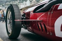 60 years apart: Stirling Moss and the Maserati 250F – THE OUTLIERMAN