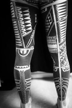 Polynesian tattoos by Igor Kampman: Marquesan, Samoan, Maori, Tongan, Hawai… Cross Tattoo For Men, Leg Tattoo Men, Leg Tattoos, Black Tattoos, Body Art Tattoos, Tattoos For Guys, Maori Tattoos, Tatau Tattoo, Marquesan Tattoos