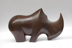 Rhino G Mayen par Ge Pellini, 2015 Diy Wooden Projects, Wooden Crafts, Wooden Diy, Wood Carving Faces, Wood Animal, Rhinoceros, Animal Sculptures, Wood Sculpture, Oeuvre D'art