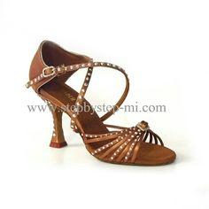 sandalo in raso bronzo decorato a mano con strass, suola in bufalo, tacco 70 #stepbystep #ballo #salsa #tango #kizomba #bachata #scarpedaballo #danceshoes #cute #design #fashion #shopping #shoppingonline #glamour #glam #picoftheday #shoe #style #instagood #instashoes #sandals #sandali #strass #rhinestone #instaheels #stepbystepshoes #cute #salsaon2 #bronzo #bachatasensual  #satin