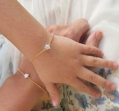 Baby Jewelry, Kids Jewelry, Cute Jewelry, Bridal Jewelry, Pearl Necklace Designs, Jewelry Design Earrings, Bracelet Designs, Mens Gold Bracelets, Beaded Bracelets