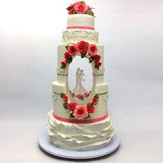Para ese día especial, un pastel con estilo. Cada diseño es innovador, cargado de creatividad y elegancia. El día de tu boda hazlo memorable con un pastel hermoso e innovador. Todos los detalles florales son comestibles. La gruta está iluminada con LED y los novios son hechos de acrílico con un diseño único para cada novia. #wedding #weddingcake #weddingplanner #boda #pastel #cake #weddingphoto #instacake #instamood #instagram #picoftheday #reposteriacreativa #talentovenezolano #valencia…