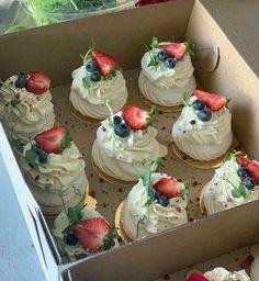 I Love Food, Good Food, Yummy Food, Pretty Cakes, Cute Cakes, Baking Recipes, Dessert Recipes, Cute Desserts, Food Goals