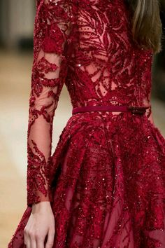 Ziad Nakad at Couture Fall 2016 Red dress Red Fashion, Look Fashion, Couture Fashion, Fashion Design, High Fashion, Vogue Fashion, Fashion Details, Paris Fashion, Fall Fashion