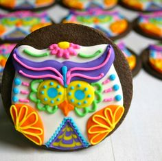 Recipe: Halloween Recipes / Sugar Skull Owls for Halloween - tableFEAST Owl Cookies, Iced Cookies, Cute Cookies, Sugar Cookies, Chocolate Cookies, Cupcakes, Cupcake Cookies, Noche Halloween, Sugar Skull Owl