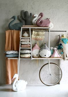 Ila y Ela Handmade Ideas to Decorate and Gift Petit & Small Childrens room Steel Furniture, Cheap Furniture, Kids Furniture, Kitchen Furniture, Office Furniture, Handmade Home Decor, Handmade Furniture, Handmade Ideas, Cottage Furniture