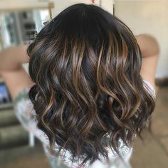 """474 mentions J'aime, 9 commentaires - Mane Interest (@maneinterest) sur Instagram : """"Chocolate balayage. Color by @monicagblush #hair #hairenvy #hairstyles #haircolor #brunette…"""""""