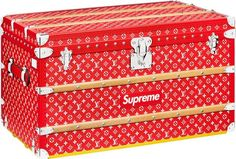 Every Supreme x Louis Vuitton Item Releasing Tomorrow: From leather goods, small accessories, and box logo items. Louis Vuitton Trunk, Louis Vuitton Handbags, Supreme Accessories, Handbag Accessories, Handbags On Sale, Luxury Handbags, Collection Louis Vuitton, Luxury Branding, Trunks