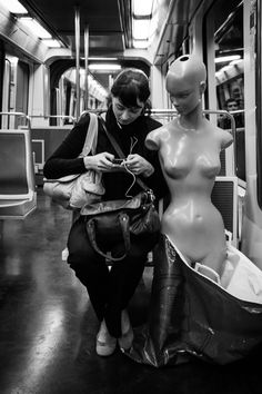 Matthew Herring - Woman & Mannequin, Paris, 2012. S)