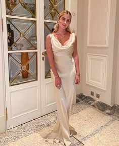 Valentina Ferragni Valentina Ferragni, Night Looks, Bridesmaid Dresses, Wedding Dresses, Fashion 2020, Dress Me Up, Red And Pink, Style Icons, Beautiful Dresses