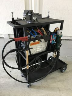 Welding Cart, Welding Shop, Welding Tips, Mig Welding, Welding Table, Metal Welding, Welding Projects, Metal Workshop, Garage Workshop