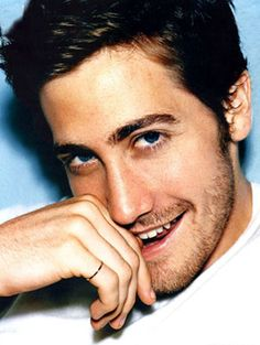 Jake Gyllenhaal..his eyes are beautiful!
