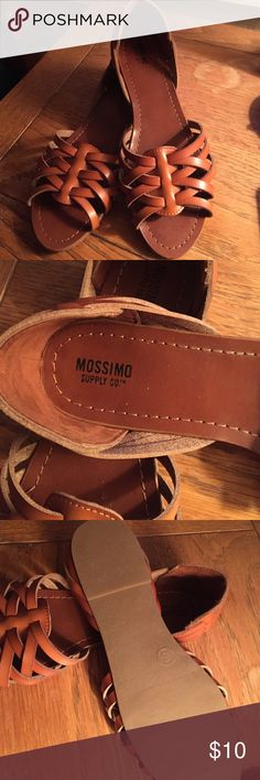 Mossimo huarache sandals NWOT Mossimo Supply Co Shoes Sandals