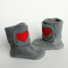 valentine heart fleece baby booties But, this is not a tutorial, unfortunately....maybe I could make my own pattern..