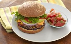 Mexican Black Bean and Wheat Germ Burgers with Fresh Tomato and Jalapeño Salsa Jalapeno Salsa, Spicy Salsa, Healthy Food, Healthy Eating, Healthy Recipes, Drink Recipes, Real Food Recipes, Mexican Black Beans, Wheat Germ