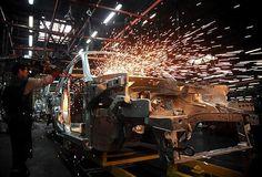 Takvim etkisinden arındırılmış sanayi üretim endeksi, eylülde geçen yılın aynı ayına göre yüzde 2,2 arttı.