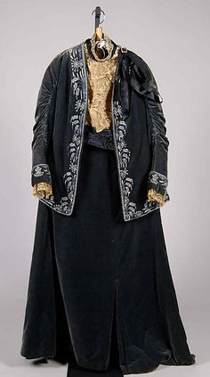 Afternoon dress- House of Worth (French, Designer: Jean-Philippe Worth (French, Date: 1898 Culture: French Medium: Silk 1890s Fashion, Edwardian Fashion, Edwardian Clothing, Historical Clothing, Old Dresses, Vintage Dresses, House Of Worth, Classic Outfits, Classic Dresses