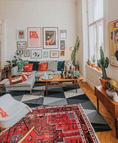 Home Decor living room Cozy Small Living Room Decor Ideas For Your Apartment If your dining room is used just for holidays because it appears too formal, cold, and uninviting, you& losing a significant part of your house. Small Living Rooms, Living Room Designs, Modern Living, Boho Living Room, Modern Room, Cozy Eclectic Living Room, Living Room Interior, Home Decor Bedroom, Warm Bedroom
