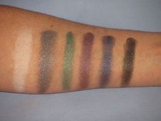 #83324 Smoke http://www.eyeslipsface.nl/product-beauty/prism-eyeshadow